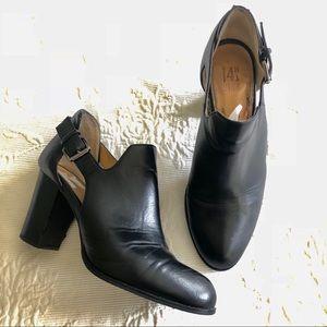 14th & Union Black Buckle Shoe Booties